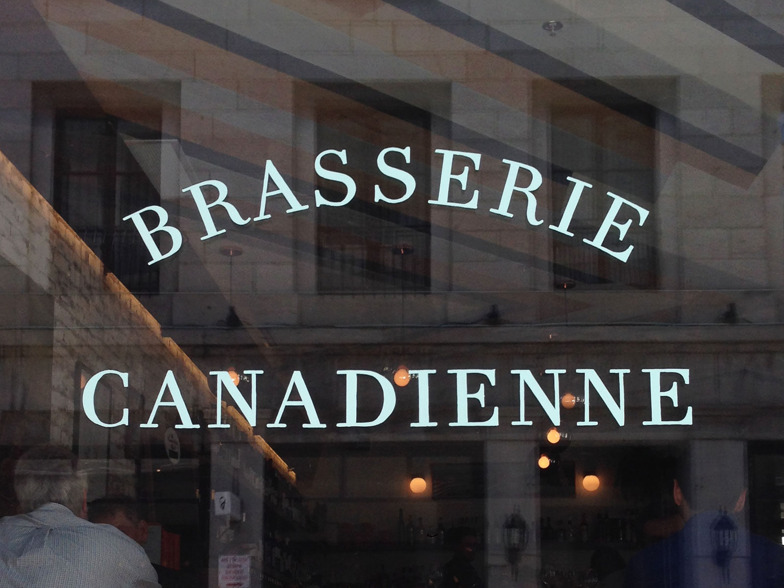 Brasserie Canadienne window